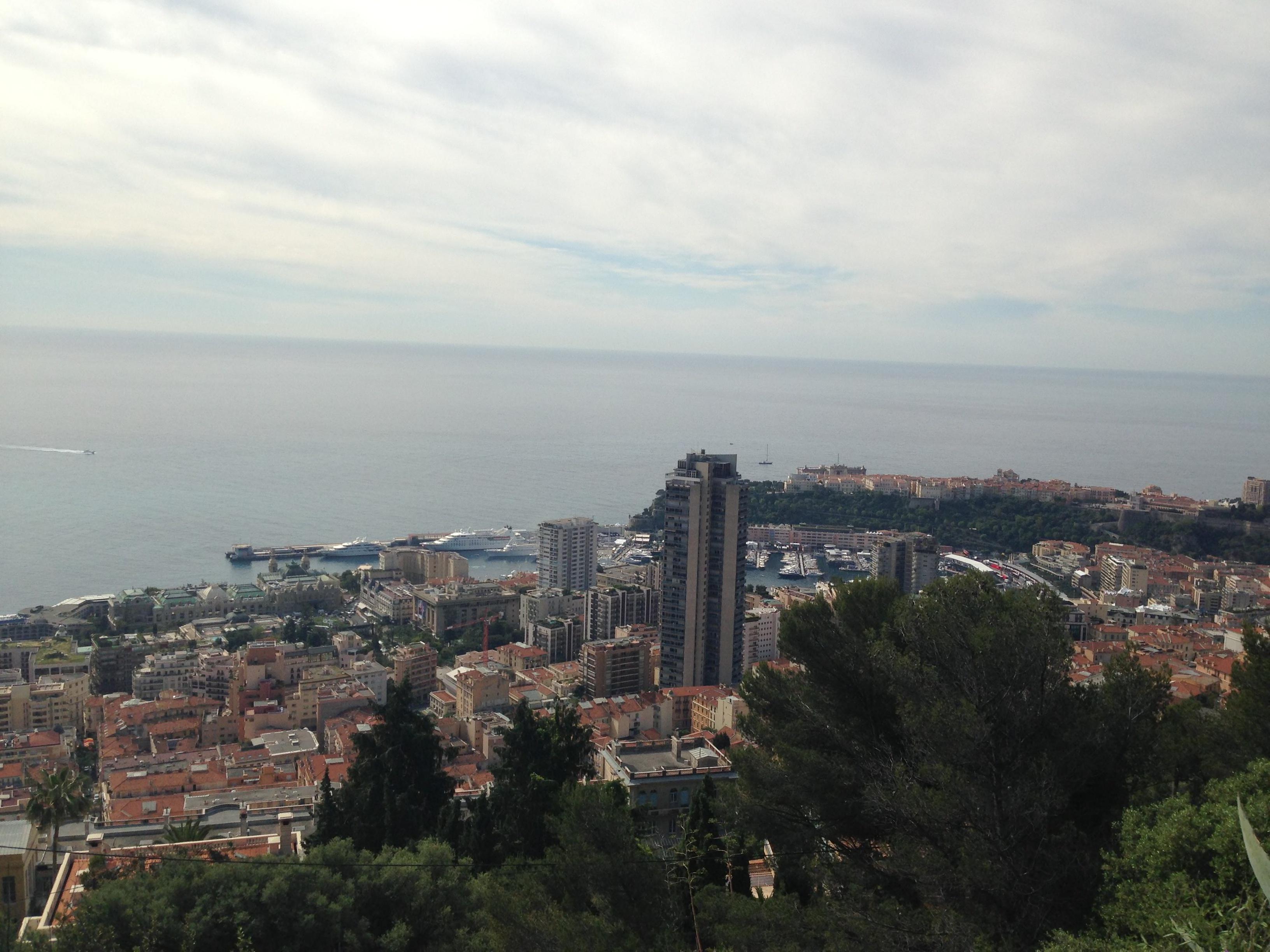Blick aus Frankreich auf Monaco.